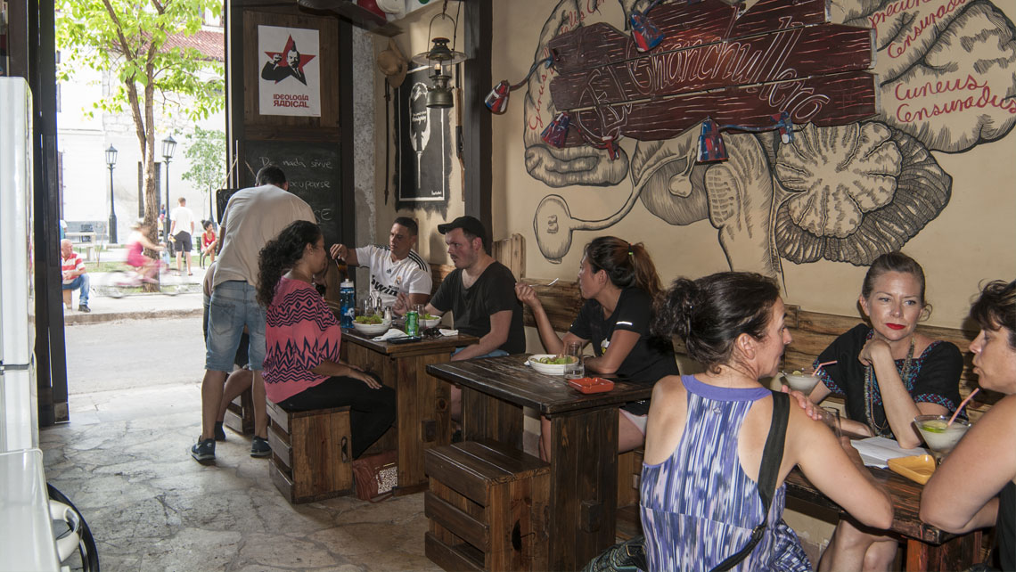 Bar El Chanchullero in Havana