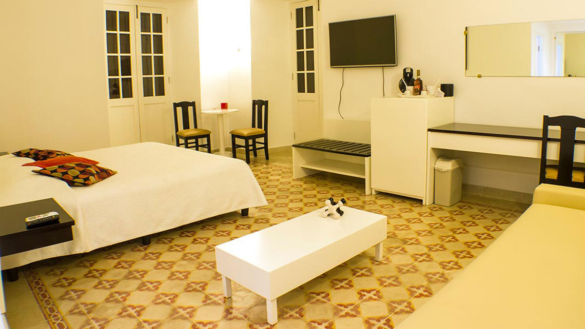 Hostal Conde de Ricla double room