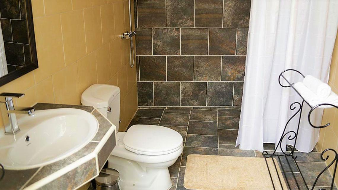 Havana19 Bnb bathroom