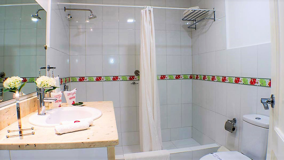 Bathroom of a Casa Particular