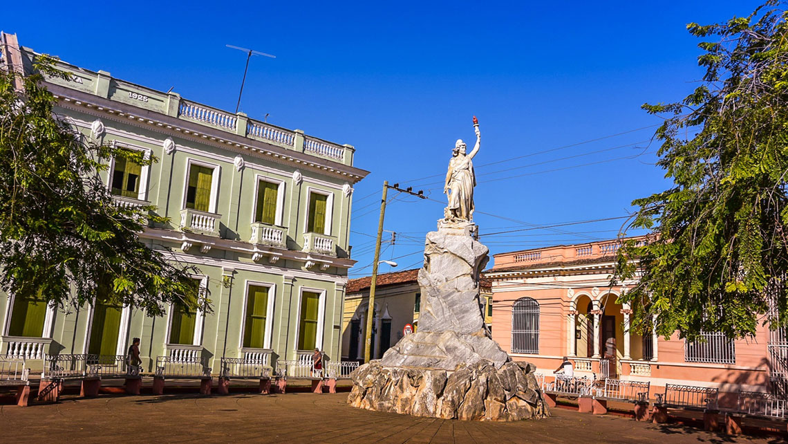 A marble Statue of Liberty in Remedios