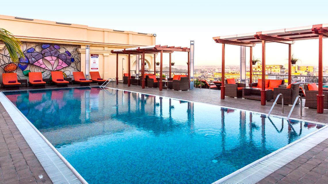 Swimming pool in Hotel Saratoga