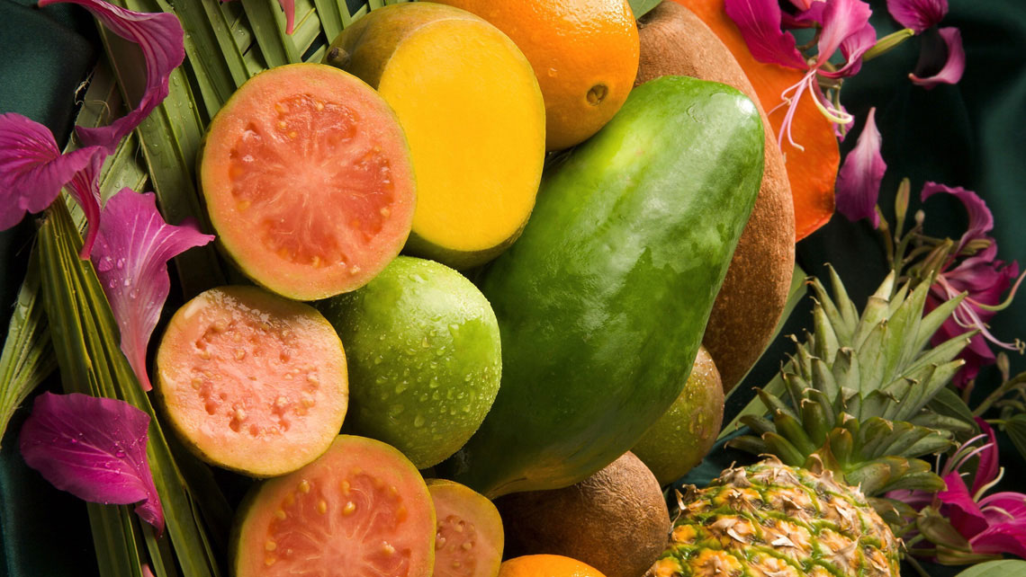 Ten fruits to eat during your visit to Cuba