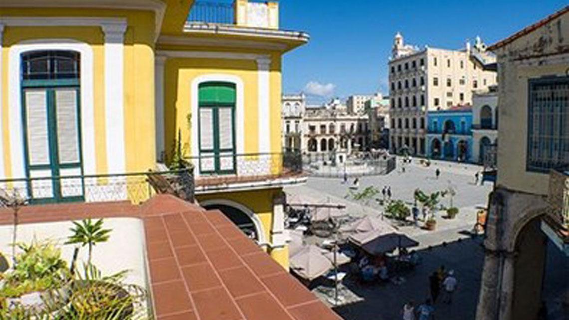 Hostal Conde de Ricla View over Plaza Vieja