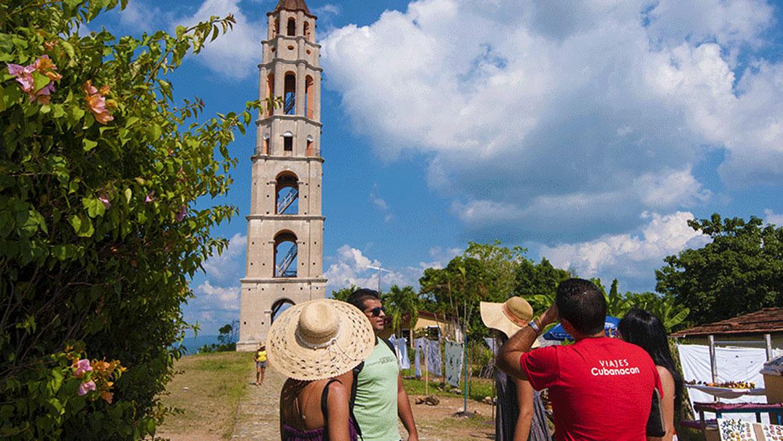 >Manaca Iznaga Tower in Valle de los Ingenios