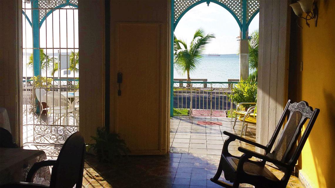 Views of the sea from a beautiful casa particular en Cienfuegos