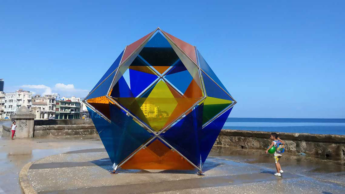 A piece from 2019's Bienal de La Habana at the malecón seadrive