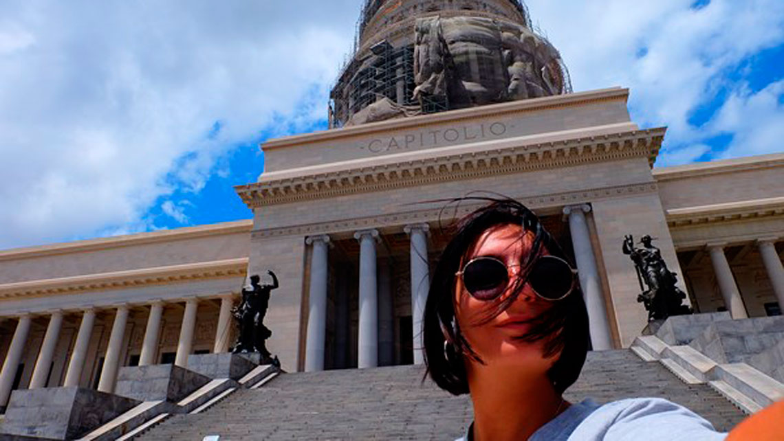 Selfie at Havana's Capitolio Nacional