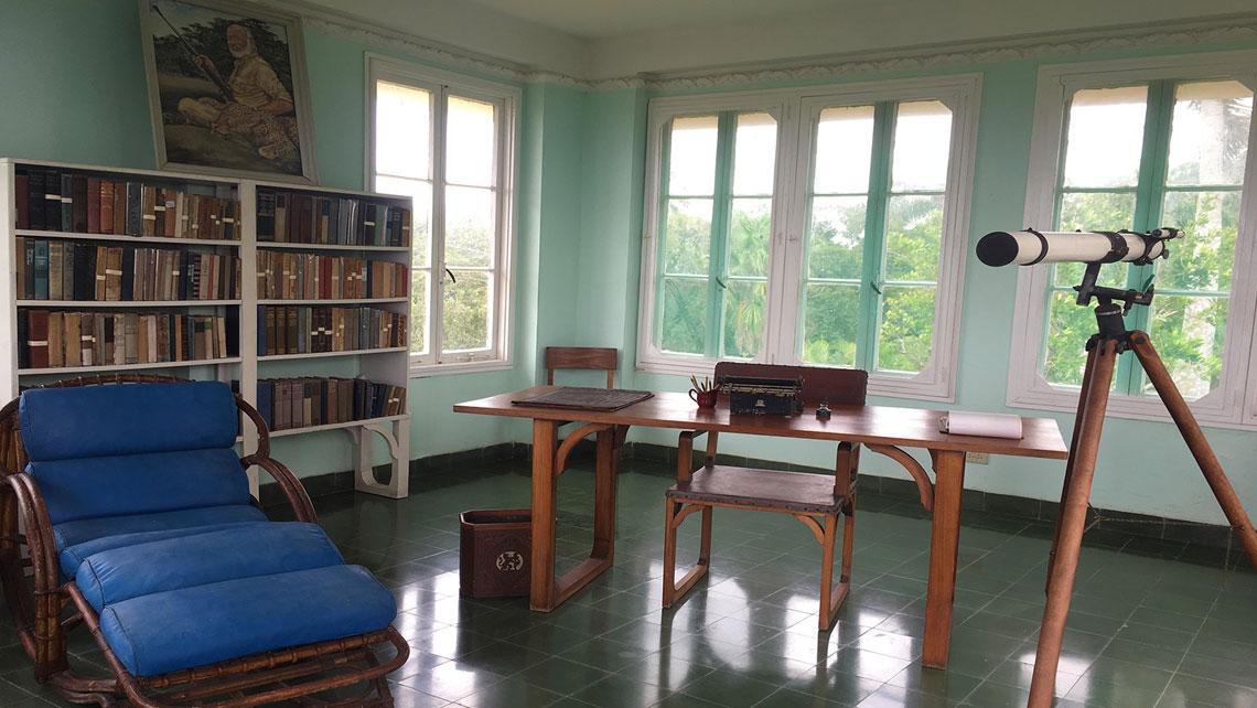 Light-filled room in Finca Vigía
