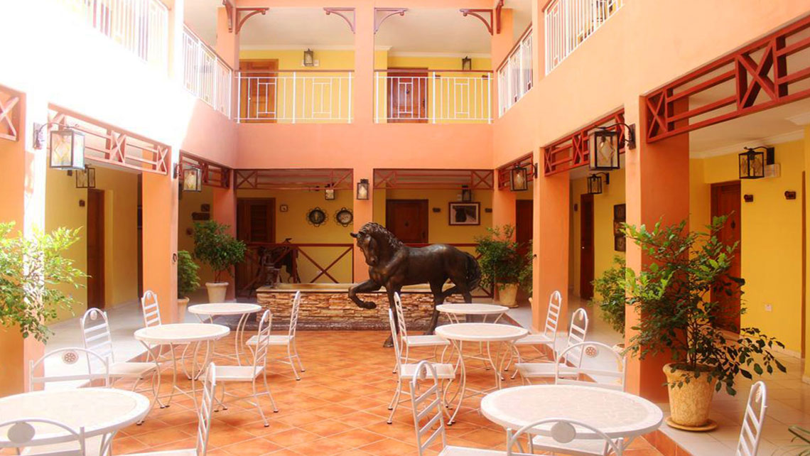 Inner patio in Hotel Caballeriza, Holguin