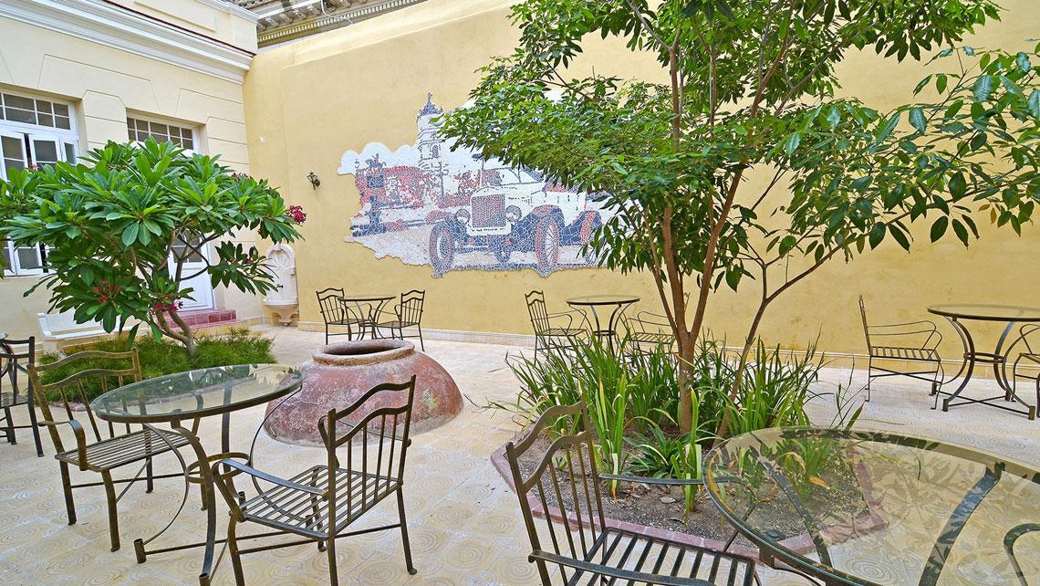 Inner patio in Hotel El Marqués, Camaguey
