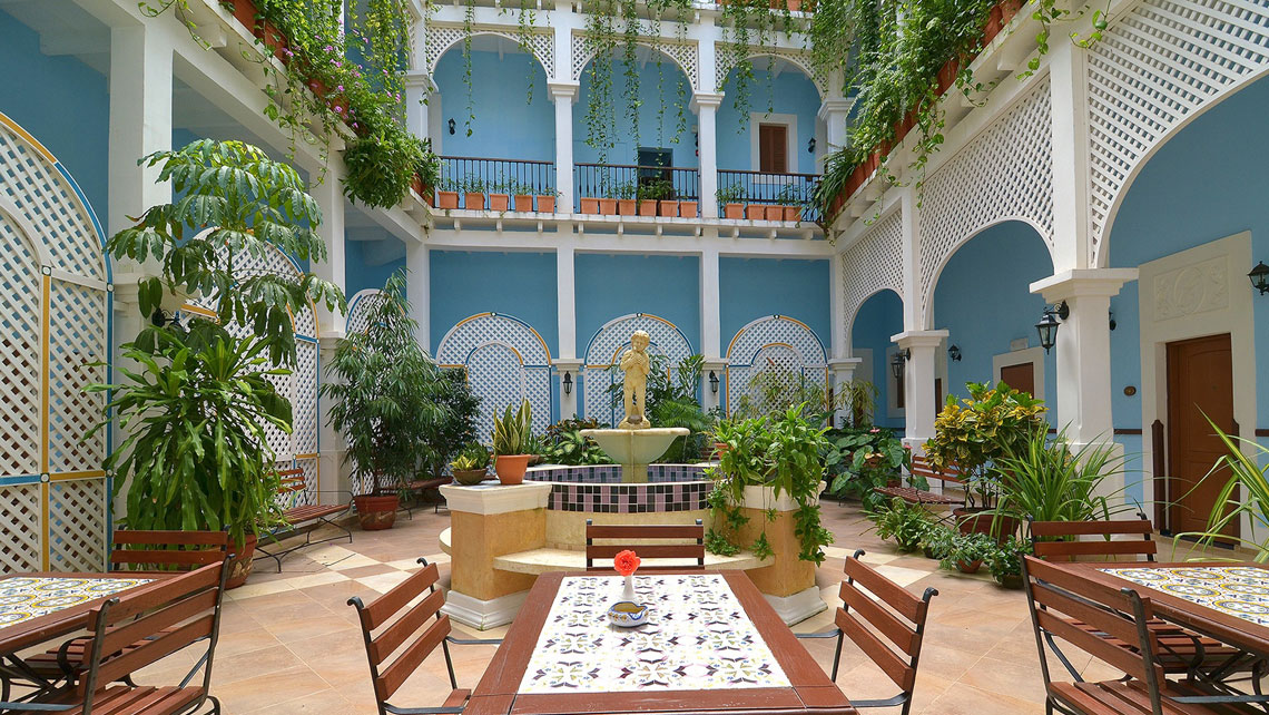 Beautiful outdoor courtyard of Hotel Barcelona in Remedios