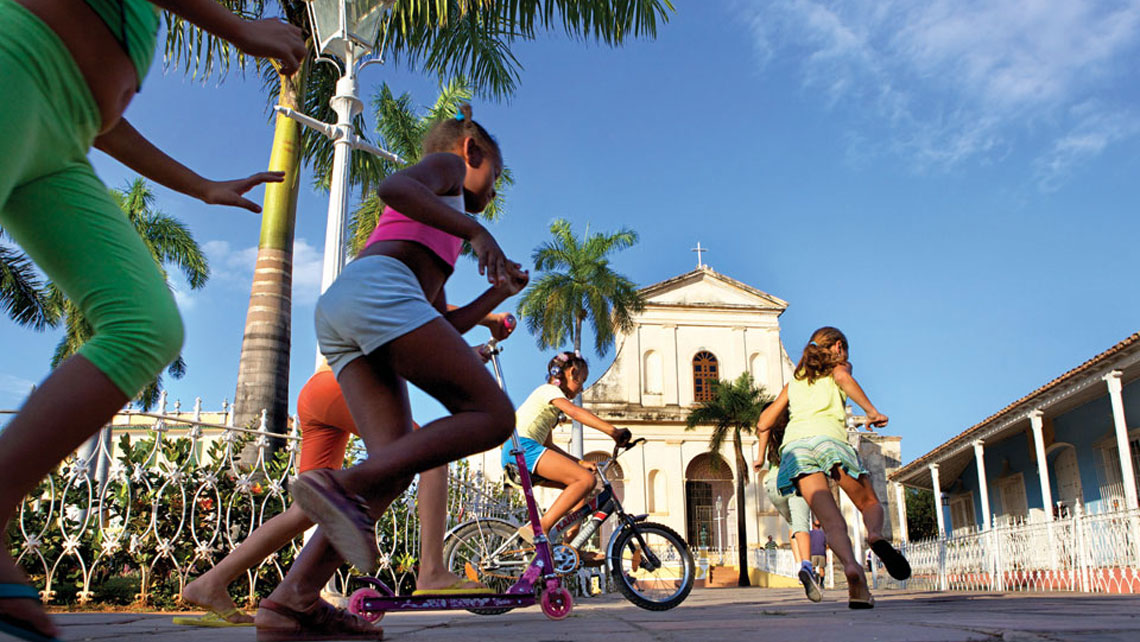 Cuban children playing in Trinidad