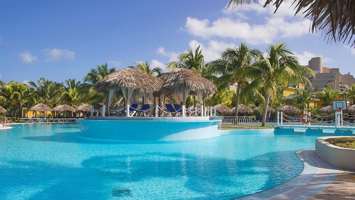Swimming pool of Hotel Melia Las Americas, Varadero