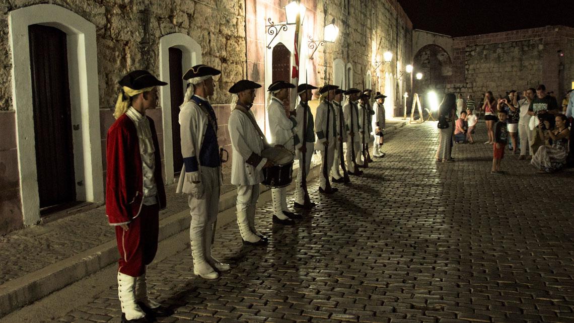 A canon blasting ceremony at 9.00pm in La Cabaña