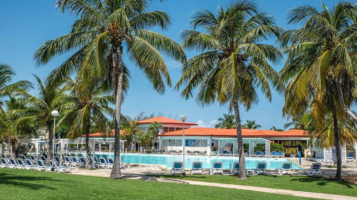 Wander around Old Havana & Relax in Varadero Beach